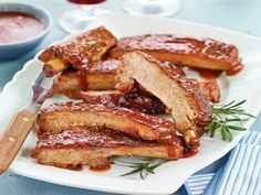 Sunday: Braised Barbecue Pork Spareribs with Pineapple, Jicama & Cucumber Salad Grilling Recipes, Pork Recipes, Cooking Recipes, Bbq Ribs, Pork Ribs, Barbecue, Pork Dishes, Fish Dishes, Main Dishes