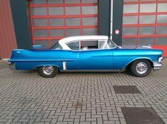 Cadillac Coupe de Ville 365 V8 automatic - 1957