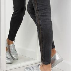 Strieborné dámske tenisky na šnúrovanie 1 Black Jeans, Sport, Pants, Fashion, Trouser Pants, Moda, Deporte, Fashion Styles, Black Denim Jeans