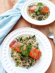 This maple-marinated salmon with spinach rice is a simple, healthy recipe that doesn't require too many ingredients for weeknight cooking. It's from The Low-FODMAP Cookbook by Dianne Fastenow Benjamin. Click through to get the recipe and read my review of the cookbook!