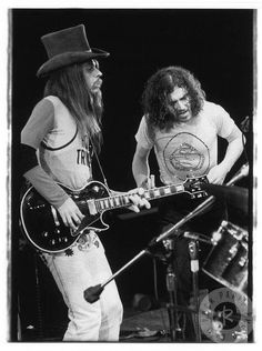 Leon Russell and Joe Cocker in 1970 on the Mad Dogs and Englishmen tour