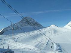 Sci sul ghiacciaio a Hintertux
