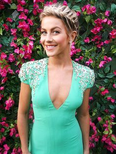 Julianne Hough's <em>DWTS</em> Photo Diary: Week 10 Was All About the Vintage Appeal http://stylenews.peoplestylewatch.com/2014/11/18/julianne-hough-style-dwts-green-dress-jenny-packham/