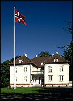 Eidsvollsbygningen, where the Norwegian constitution was signed in 1814 #Norway ☮k☮ #Norge