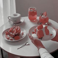 image Good Food, Yummy Food, Cute Desserts, Cafe Food, Macaron, Aesthetic Food, Food Cravings, Sweet Recipes, Sweet Treats