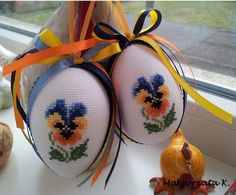 Easter eggs, easter ornaments, cross stitch, пасха, pasqua, pisanky, haftowane pisanki, handmade Cross Stitch Cards, Cross Stitch Embroidery, Cross Stitch Designs, Cross Stitch Patterns, Easter Cross, Plastic Canvas Patterns, Embroidery Techniques, Pansies, Happy Easter