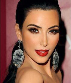 Kim Kardashian makeup make up Love Makeup, Makeup Looks, Hair Makeup, Flawless Makeup, Gorgeous Makeup, Perfect Makeup, Amazing Makeup, Pretty Makeup, Glamorous Makeup