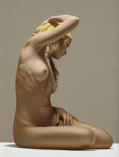 Painting by Luciano Ventrone Hyper Realistic Paintings, Figure Poses, Figure Drawing Reference, Art Model, Nude Photography, Life Drawing, Figure Painting, Erotic Art, Hyperrealism