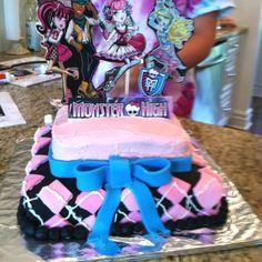 Monster high cake:)