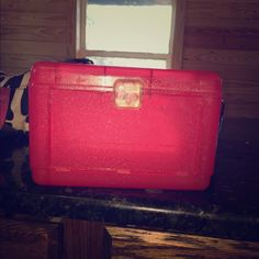 Red sparkel make up travel case Sturdy with lots of storage! In mint condition Bags Cosmetic Bags & Cases