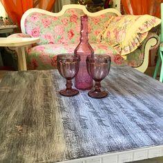 Nábytok maľovaný kriedovými farbami Rugs, Vintage, Home Decor, Farmhouse Rugs, Decoration Home, Room Decor, Vintage Comics, Home Interior Design, Rug