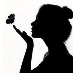 silhouette of lady blowing on butterflies Silhouette Face, Silhouette Pictures, Couple Silhouette, Shadow Silhouette, Cool Art Drawings, Pencil Art Drawings, Art Drawings Sketches, Shadow Painting, Shadow Art
