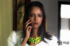 Chandamama Kathalu Movie Stills http://www.iqlikmovies.com/moviegallery/772/Chandamama-Kathalu/photos/0