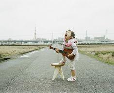 CUTE : un photographe japonais prend de magnifiques clichés de sa fille de 4 ans