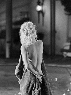 Marilyn Monroe   Photo by: Lawrence Schiller
