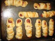 mummy dogs = spooky snack