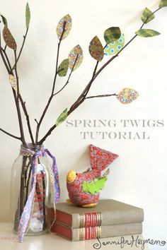 Blog Jennifer Jangles: Tutorial Brindilles printemps Rama Seca, Crafts To Make, Diy Crafts, Brindille, Fall Sewing, Fabric Garland, Diy Sewing Projects, Sewing Ideas, Fabric Scraps