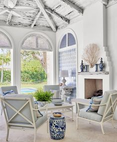 Some time spent outdoors is always time well-spent, but when it's in a well-designed space, it's even better. Here are 22 stunning outdoor room ideas for al-fresco living. Outdoor Living Rooms, Outdoor Walls, Outdoor Sofa, Outdoor Spaces, Outdoor Furniture Sets, Outdoor Decor, Porch Furniture, Beach Fireplace, Patio Design