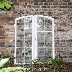 ❤ Vintage Verleih ❤ Antike Bogenfenster für Hochzeiten und Events leihen! Noch mehr Deko und ausgefallenes Inventar auf: www.one-fancy-fox.de