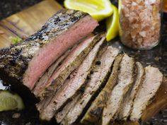 Need to feed a group steak on a budget? Go for a London broil.When it comes to crafting a deceptively fancy but budget-friendly dinner for a crowd, the London broil has long been one of our go-tos. London Broil Steak, Cooking London Broil, London Broil Recipes, Recipe For London Broil, London Broil Oven, Flank Steak Recipes, Beef Recipes, Cooking Recipes, Cooking Courses