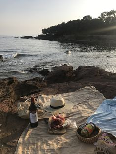 / A R Y A / pinterest: @riddhisinghal6 Summer Aesthetic, Summer Vibes, Sand Collection, Welt, Picnics, Beach Day, Summertime, Wanderlust, Vacation