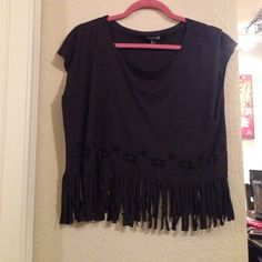 Black fringe box top blouse from Forever21 Cute Black fringe box top blouse from Forever21 material polyester- perfect for a casual day or a night out! ❤️❤️❤️ Forever 21 Tops Blouses
