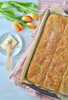 Peltileipä valmistuu helposti ja vähällä vaivalla – Versoileva Bread Recipes, Ethnic Recipes, Food, Essen, Bakery Recipes, Meals, Yemek, Eten