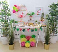Mini table fofa no Tema Flamingos! Lets Flamingle Party Cakedesign Decor Flamingo Birthday, Flamingo Party, Birthday Party Tables, 13th Birthday Parties, Party Table Decorations, Birthday Decorations, Flamingo Craft, Aloha Party, Tropical Party