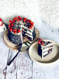 Gluténmentes mákos piskóta-citrom krém-meggy torta Minion, Camembert Cheese, Panna Cotta, Lime, Dairy, Sweets, Ethnic Recipes, Food, Mascarpone