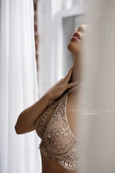 boudoir-photography-by-vancouver-photographer-jennifer-williams-004