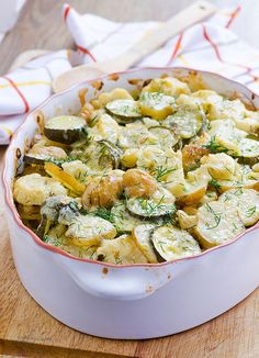 Ukrainian Zucchini, Cauliflower and Potato Bake -- Easy vegetarian summer dinner with garlic and dill. Little prep time, all work is done in the oven. (bake cod with vegetables) Clean Eating Recipes, Healthy Eating, Cooking Recipes, Clean Foods, Eating Clean, Vegetable Recipes, Vegetarian Recipes, Healthy Recipes, Cauliflower Potatoes