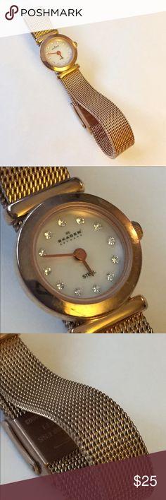 SKAGEN Gold mesh watch Great condition. Needs new battery Skagen Jewelry Bracelets