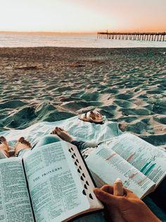 Christian Couples, Christian Girls, Christian Life, Christian Friends, Bff, Besties, Bibel Journal, Jesus Is Life, Christian Relationships