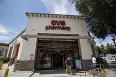 Woman trying to buy birthday card trapped inside CVS #U_S_A_ #iNewsPhoto