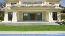 Villa de 4 dormitorios en venta en Altos de Valderrama – R120409