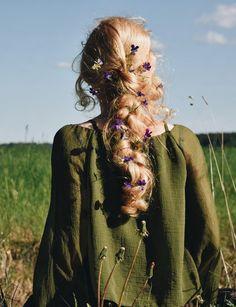 Woodland Wonderment: The Enchantment of Ellen Tyn – Enchanted Living Magazine My Hairstyle, Pretty Hairstyles, Hair Inspo, Hair Inspiration, Hair Goals, Your Hair, Hair Makeup, Braids, Hair Beauty