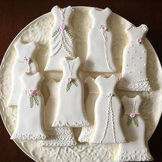 Wedding Gown Cookies Wedding Dress Cookie 12 Cookies | Etsy Wedding Dress Cookies, Wedding Shower Cookies, Bridal Shower Cakes, Simple Wedding Gowns, Simple Weddings, Wedding Details, Fall Wedding, Ballerina Cookies, Cookie Tutorials