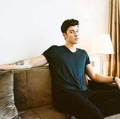 "everyone be like ""Why do you like Shawn Mendes? He has a butt chin?"" (happened to me before) And I be like ""Shut up bitch. Did I even ask you?"""