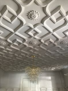 What a beautiful ceiling, free estimate Wooden Ceiling Design, Simple Ceiling Design, Plaster Ceiling Design, Gypsum Ceiling Design, Interior Ceiling Design, Wooden Main Door Design, House Ceiling Design, Ceiling Design Living Room, Bedroom False Ceiling Design