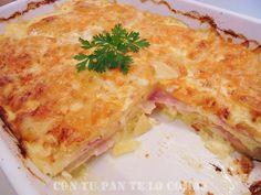Pastel de patatas, bacon y queso. Híbrido entre el pastel de carne y una quiche, habrá que probarlo.