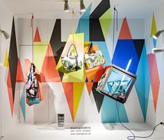 summer, sun, sea and sky, geometric shapes, pinned by Ton van der Veer Ludwig Beck - Spring 2014 Shop Interior Design, Retail Design, Store Design, Window Display Design, Store Window Displays, Visual Merchandising Displays, Visual Display, Window Graphics, Geometric Shapes