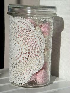 Einweckglas mit Häkeldeckchen - Bonboniere von ANNYthing auf DaWanda.com