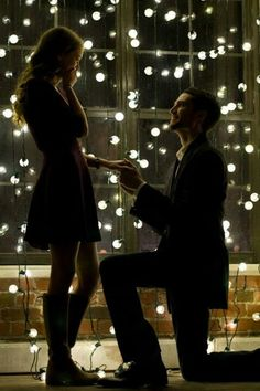 how i want my Engagement to be. lots of lights EVERYWHERE.. unless it is on a beach ;)
