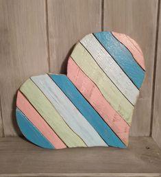Retro+srdce+Dřevěné+barevné+retro+srdce.+Vhodné+na+zavěšení+na+stěnu.+Rozměry+:+Sířka+:+23+cm+Výška+:+20+cm