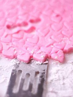 #Valentines Day ideas #pink #mints DIY #crafts ToniK ℬe Meℜℜy #recipe http://busy-mommy.com/2012/01/homemade-valentines-day-mints.html