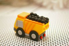 Fondant dump truck