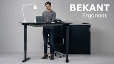 Posiblemente el producto que ha presentado Ikea en su catálogo para negocios sea el más interesante para mí. BEKANT una mesa que podremos usar tanto sentados...