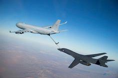 Boeing KC-135 Strototanker & B-1 Lancer Của không lực  Hoa Kỳ