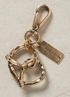 gold pretzel keychain