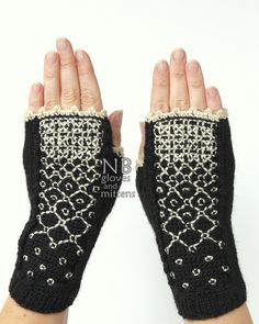 Hey, I found this really awesome Etsy listing at https://www.etsy.com/listing/242353038/knitted-fingerless-gloves-black